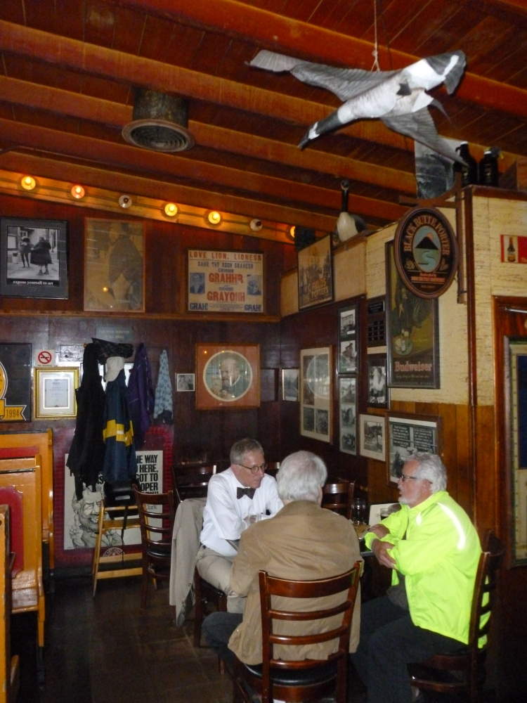 Expose Yourself to the Goose Hollow Inn (4/6)