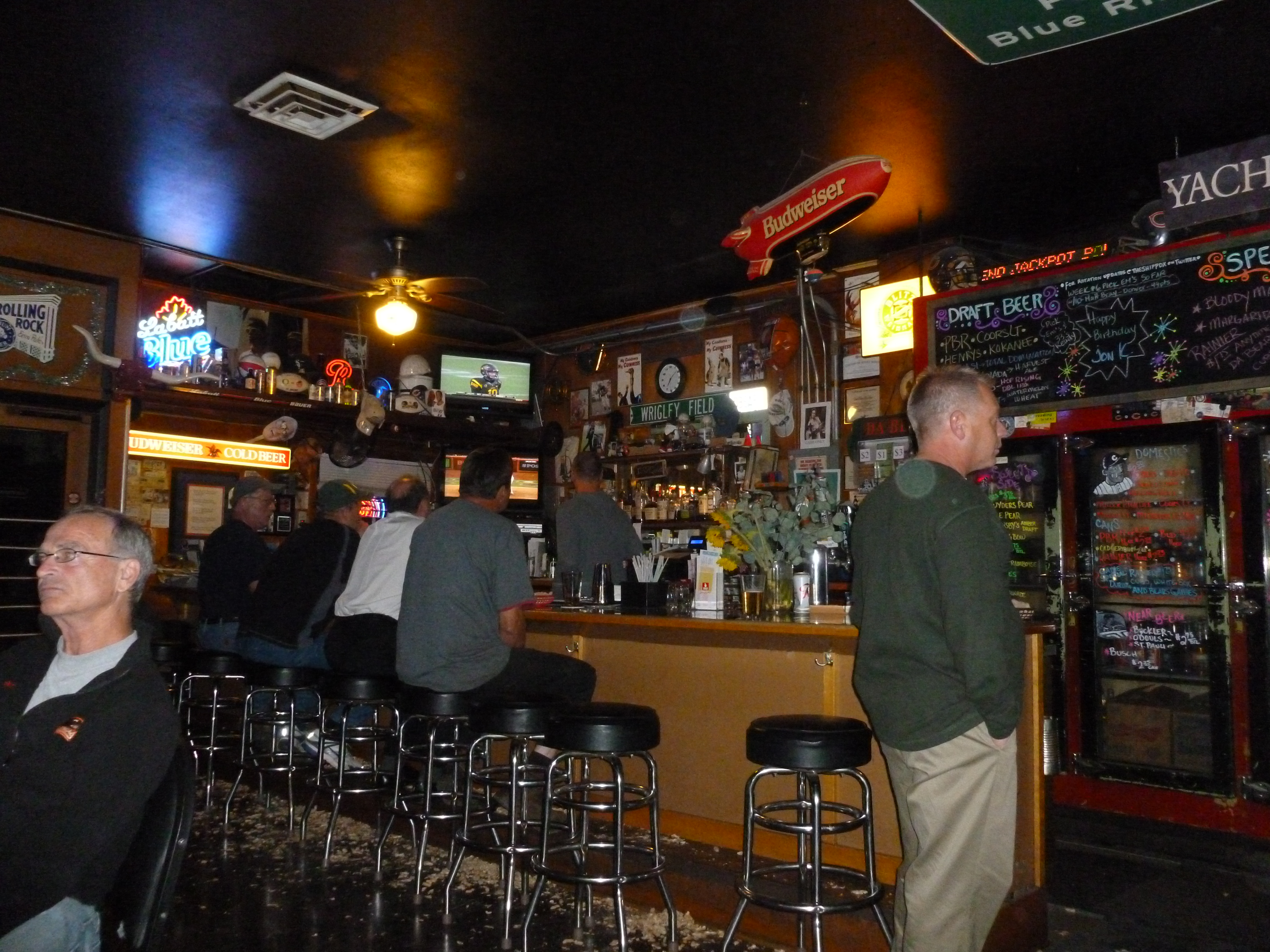 Fits the definition of a dive bar thebeerchaser - Pictures of bars ...