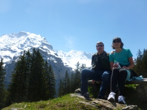 Hiking down to Lauterbrunnen and the Horner Pub
