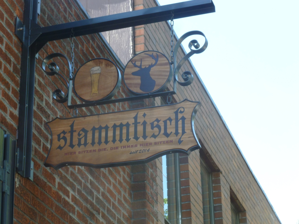 Stammtisch - Get a group, grab a table and drink a bier! (1/6)