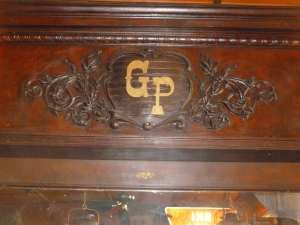 Inscription in the historic backbar